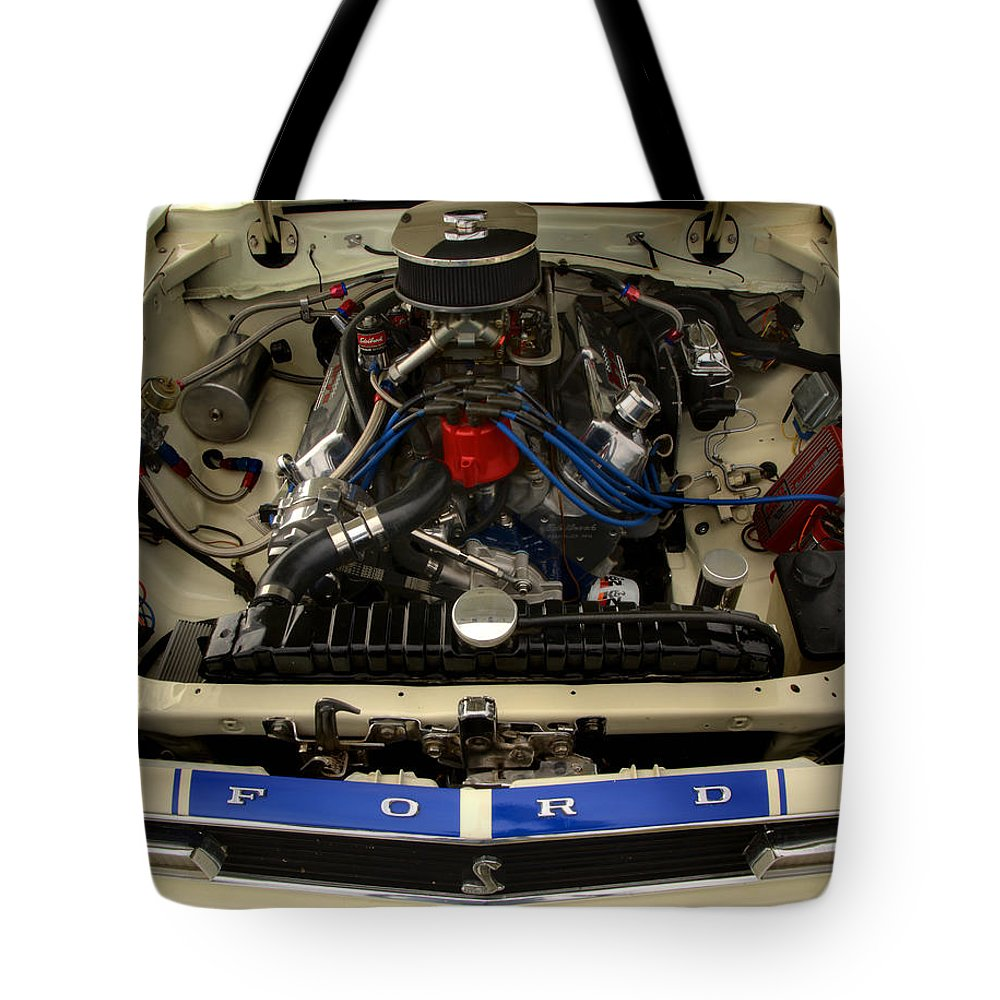 Cobra Tote Bag featuring the photograph Cobra 1 by Thomas Young