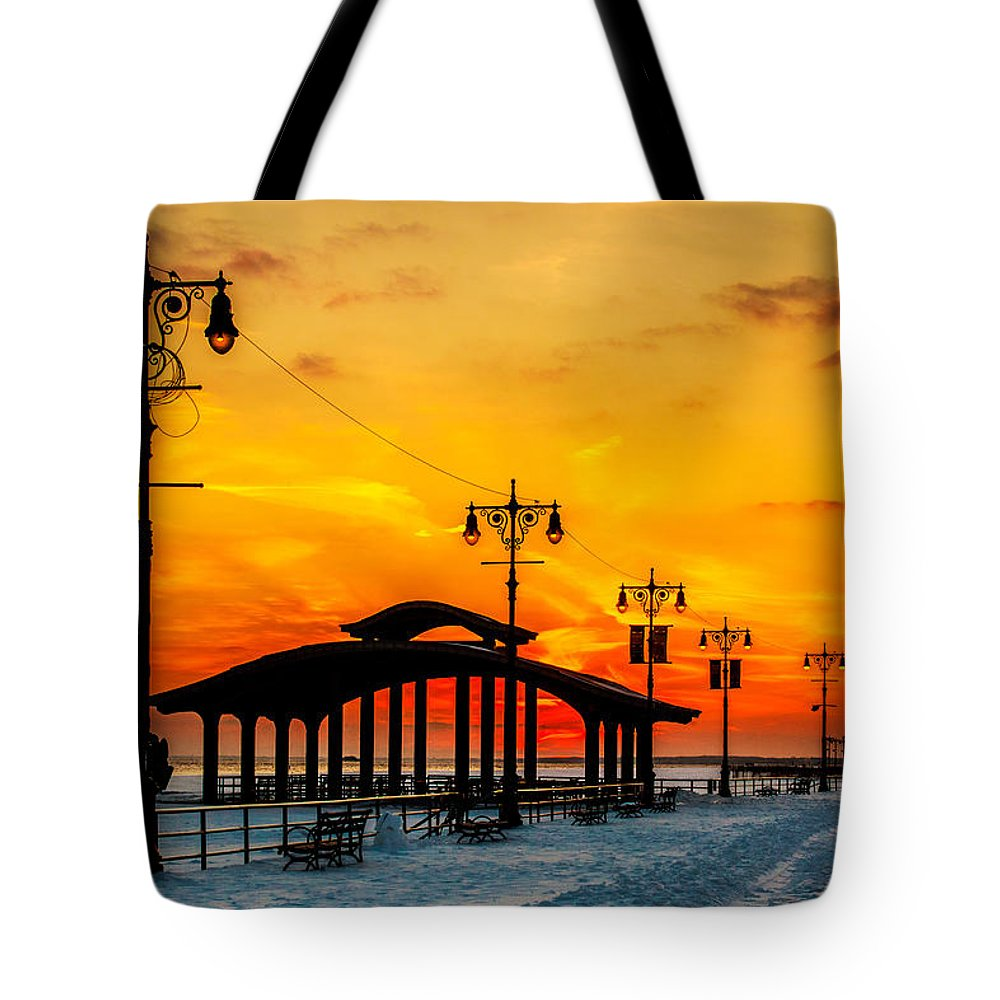 Coney Island Tote Bag featuring the photograph Coney Island Winter Sunset by Chris Lord