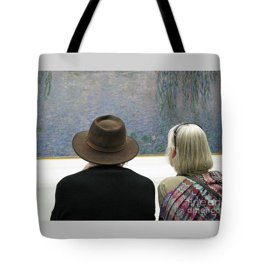 People Tote Bag featuring the photograph Contemplating Art by Ann Horn