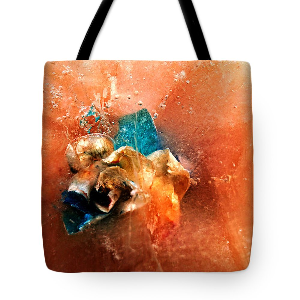 Photography Tote Bag featuring the photograph Cool Beauty Delight by Robert Zuchowski