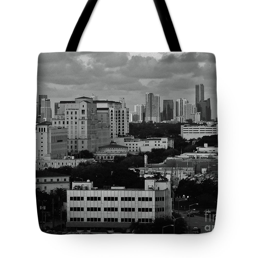 Kerisart Tote Bag featuring the photograph Coral Gables by Keri West