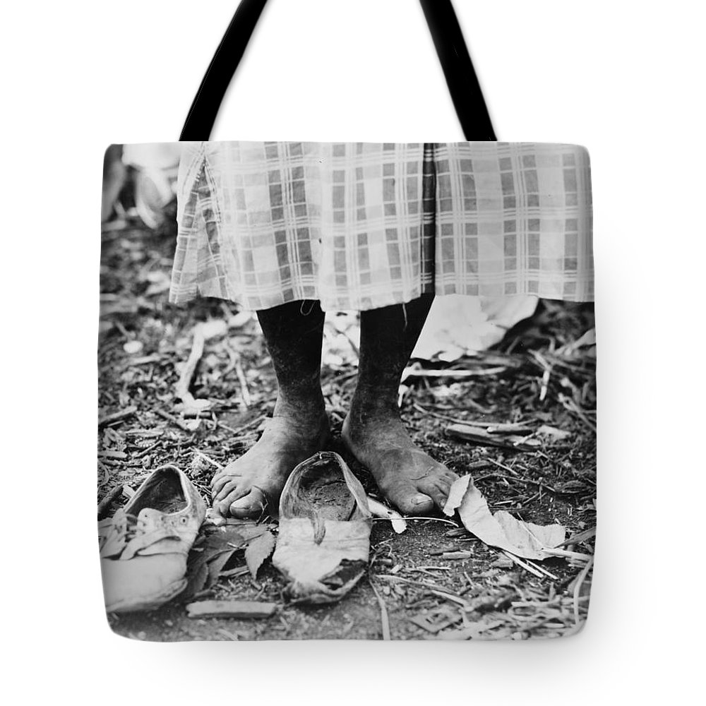 1937 Tote Bag featuring the photograph Cotton Picker, 1937 by Granger