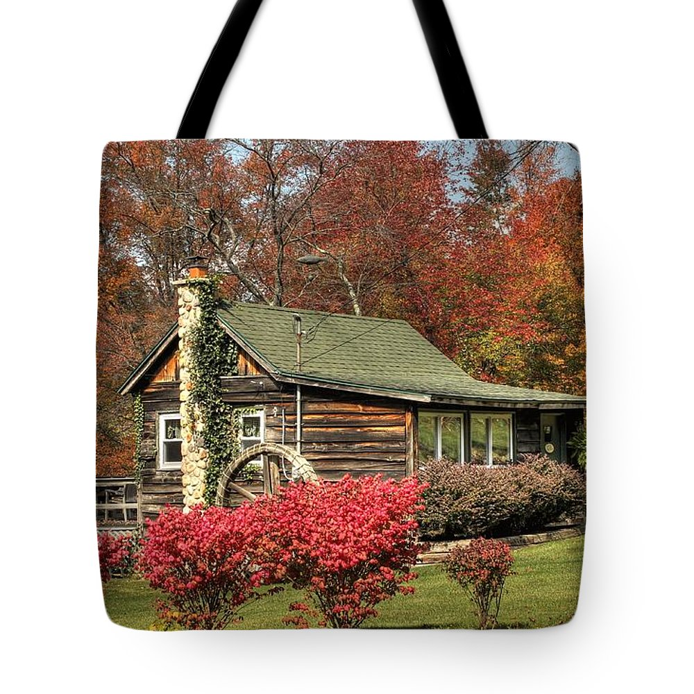 Cottage Tote Bag featuring the photograph Country Cottage II by Lisa Hurylovich