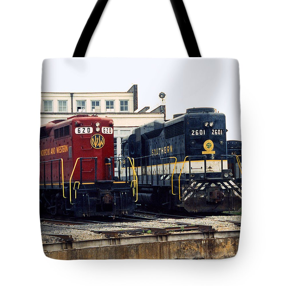 Trains Tote Bag featuring the photograph Cousins by Richard Rizzo