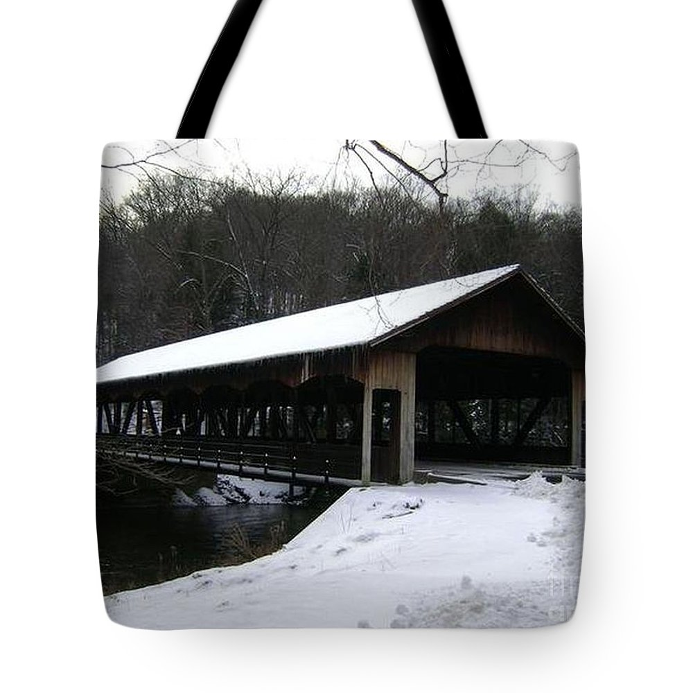 Covered Bridge Photographs Tote Bag featuring the photograph Covered Bridge by R A W M