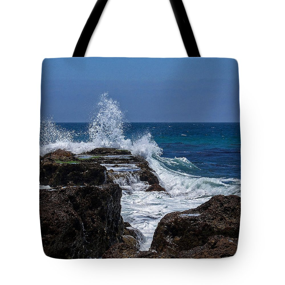 Oceans Tote Bag featuring the digital art Crashing Wave by Ernie Echols