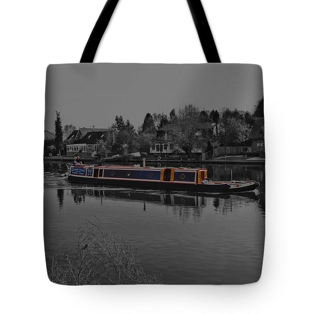 Thames River Tote Bag featuring the photograph Cruising Along The Thamas River by Maj Seda