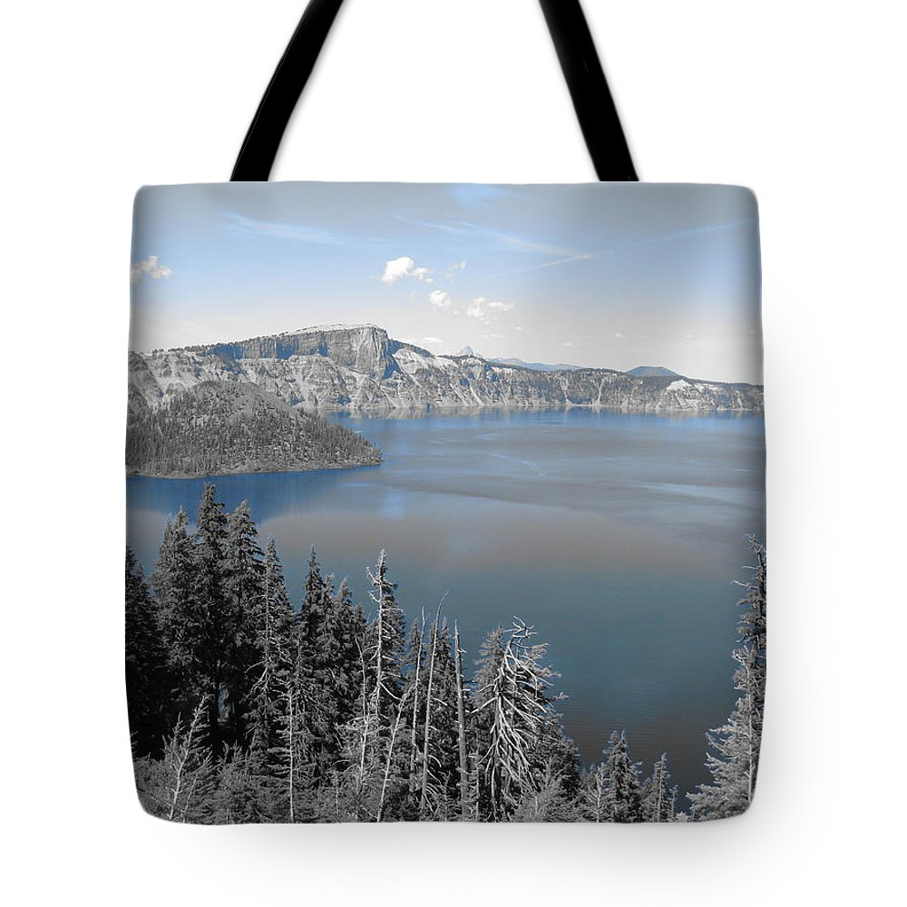 Sky Tote Bag featuring the photograph Crystal Clear Day by Kathy Raee Hansen
