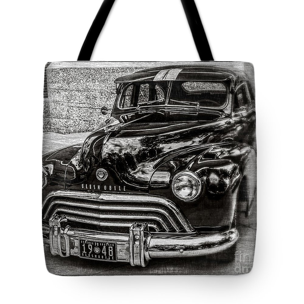 Car Tote Bag featuring the photograph Dad's Olds by Perry Webster