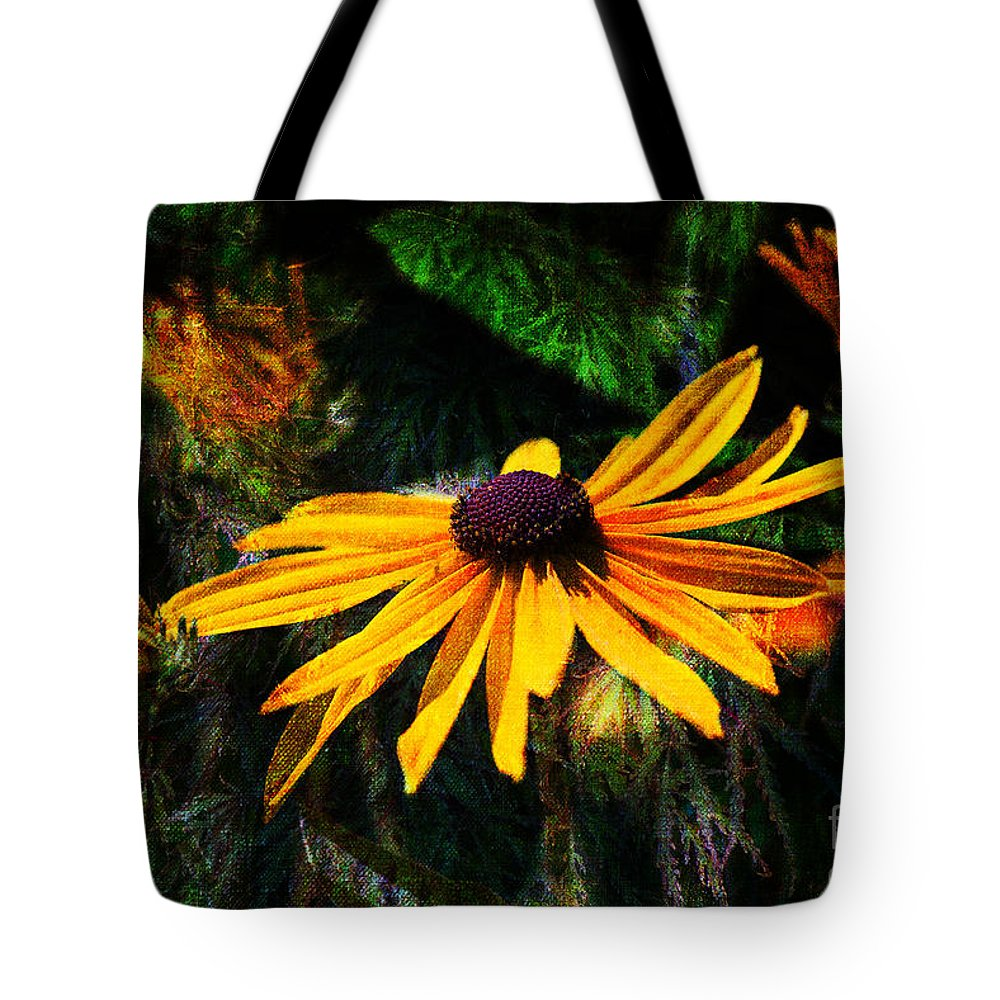 Daisy Tote Bag featuring the photograph Daisy by Cindy Tiefenbrunn