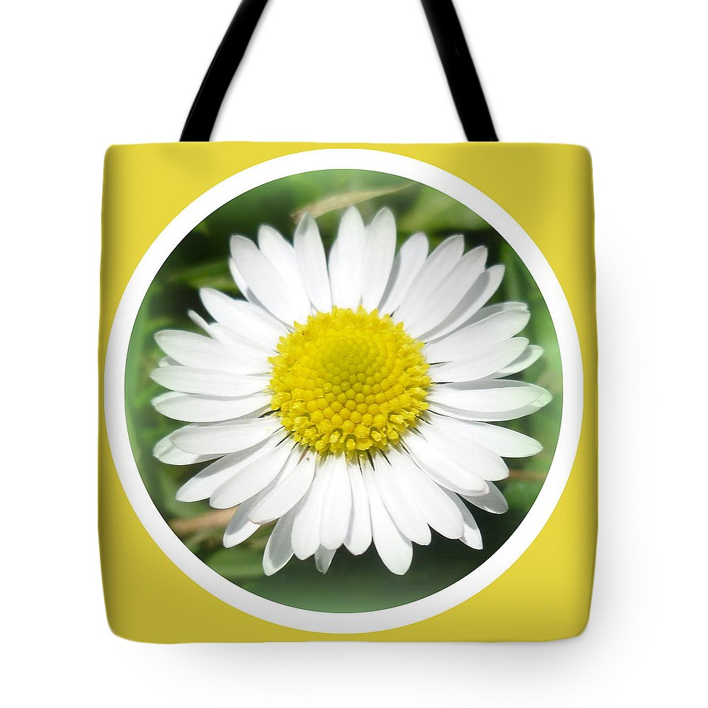Daisy Tote Bag featuring the photograph Daisy Closeup by The Creative Minds Art and Photography