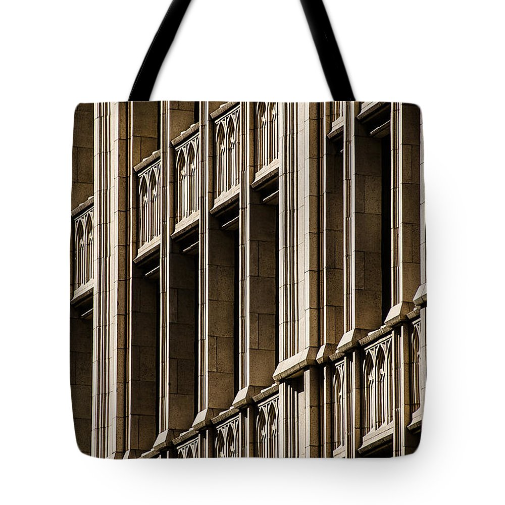 Architecture Tote Bag featuring the photograph Dallas Architecture by David Downs