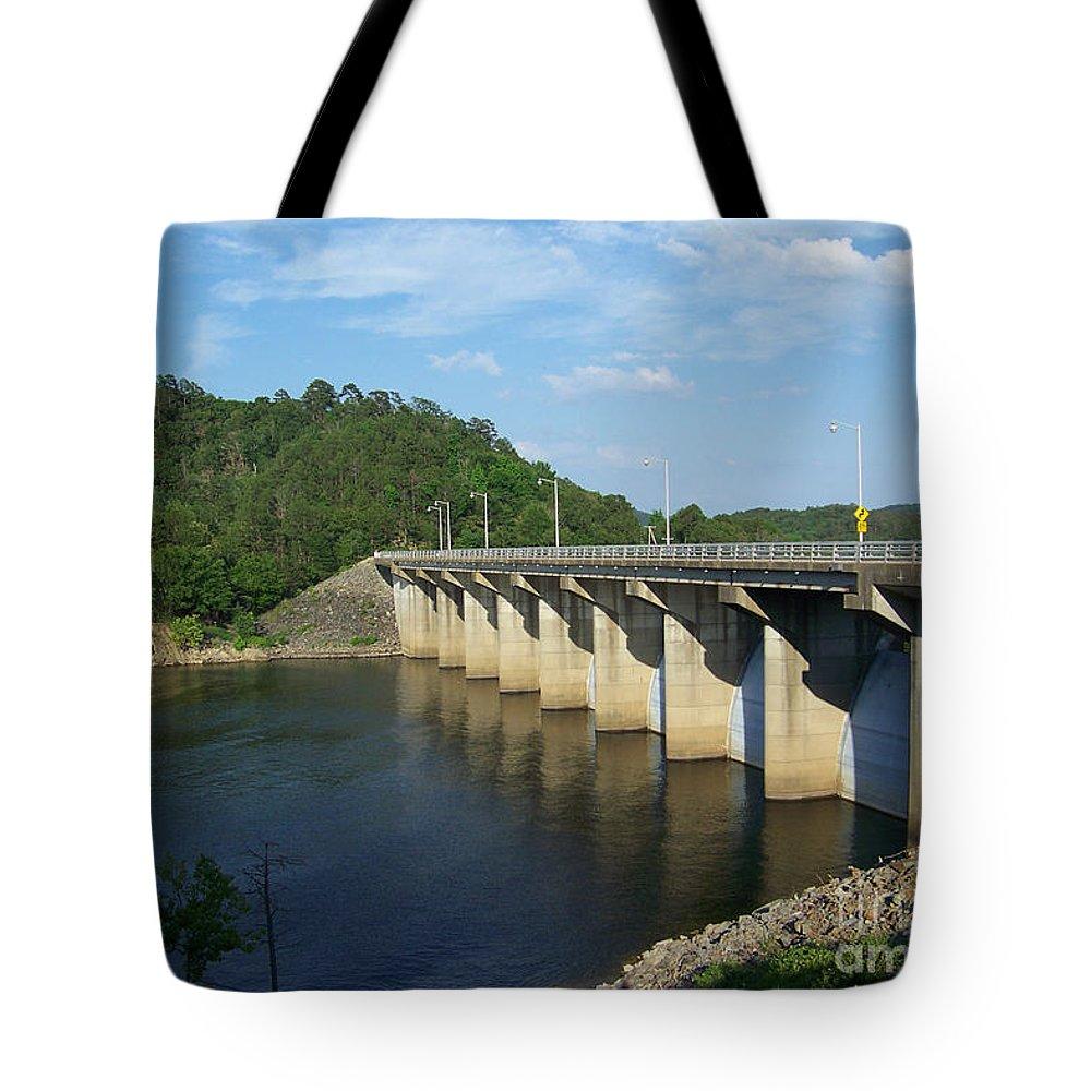 Arkansas Tote Bag featuring the photograph Damn Wall by Hilton Barlow