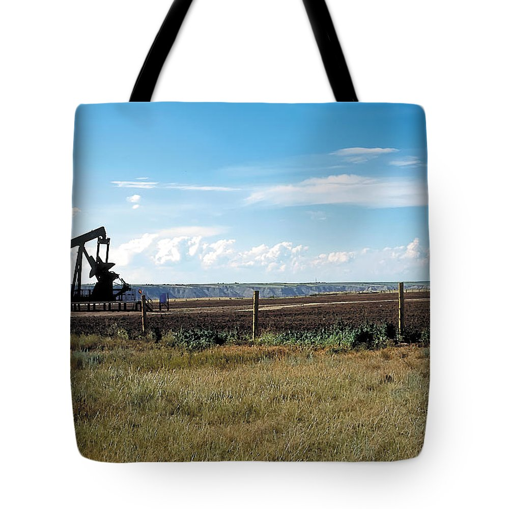 Scenic Tote Bag featuring the painting Dance Of Oil by Terry Reynoldson