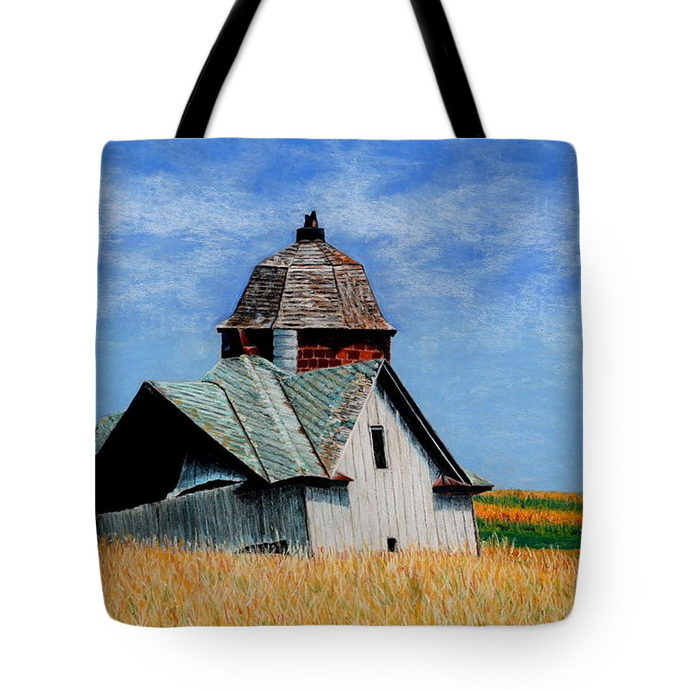 Old Barns Tote Bag featuring the painting Days Gone By by Kimberly Shinn