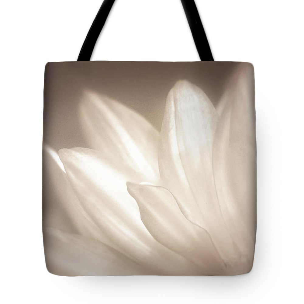 Bloom Tote Bag featuring the photograph Delicate by Scott Norris