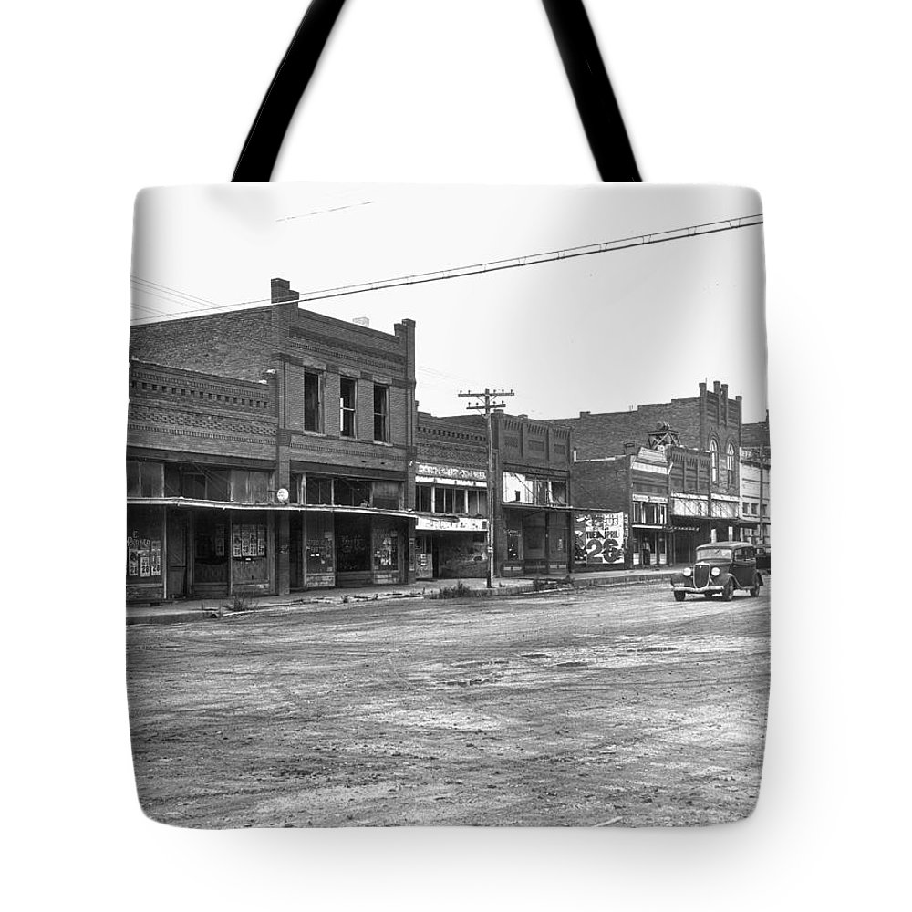 1938 Tote Bag featuring the photograph Depression & Drought, 1938 by Granger