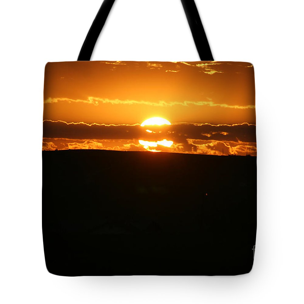 Arizona Tote Bag featuring the photograph Desert Sunrise by Susan Herber