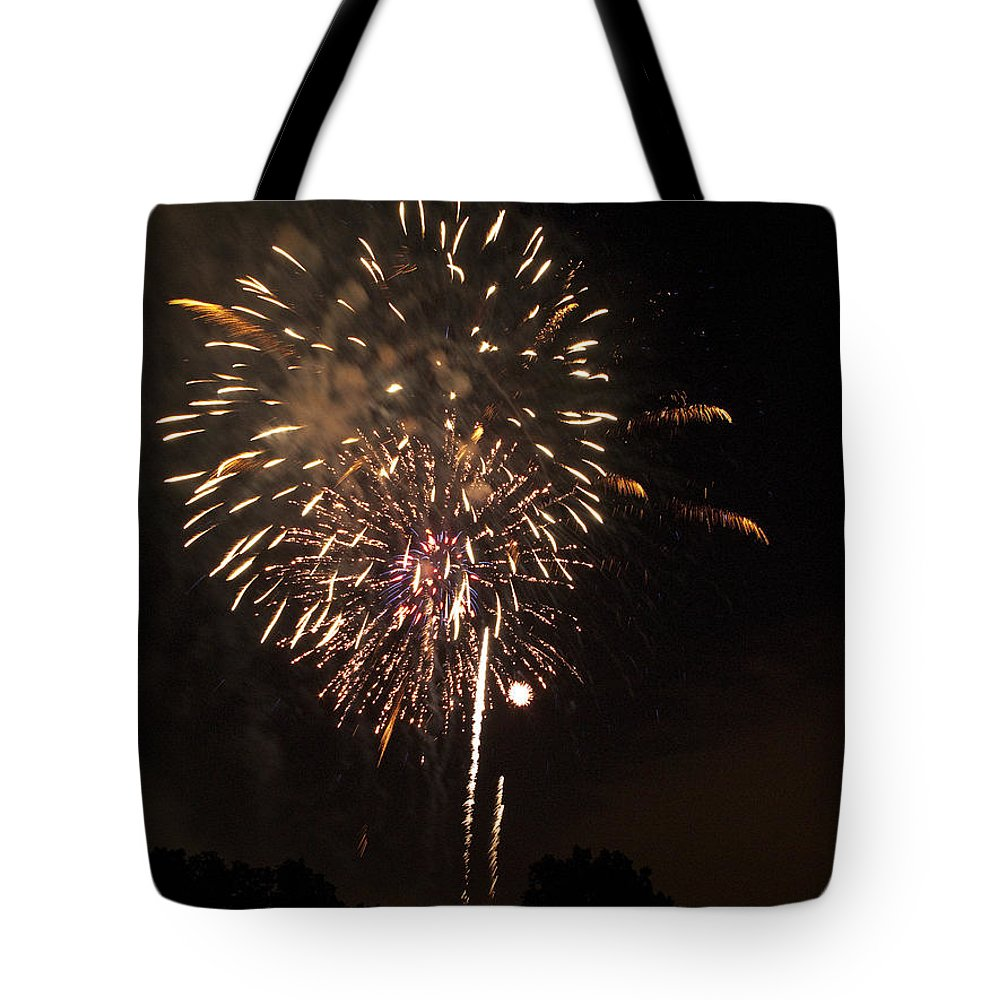 Cities Tote Bag featuring the photograph Detroit Area Fireworks -7 by Paul Cannon