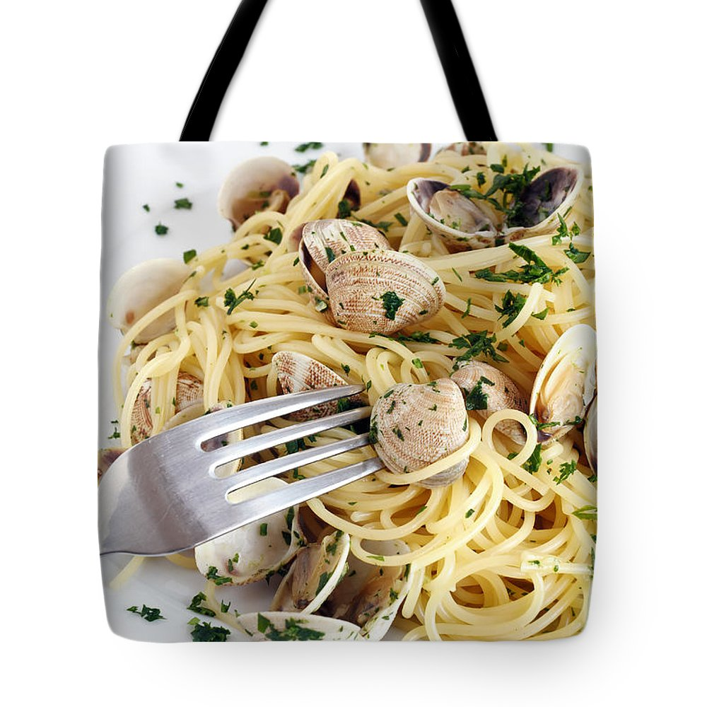 Appetizer Tote Bag featuring the photograph Dish Of Spaghetti With Clams by Antonio Scarpi