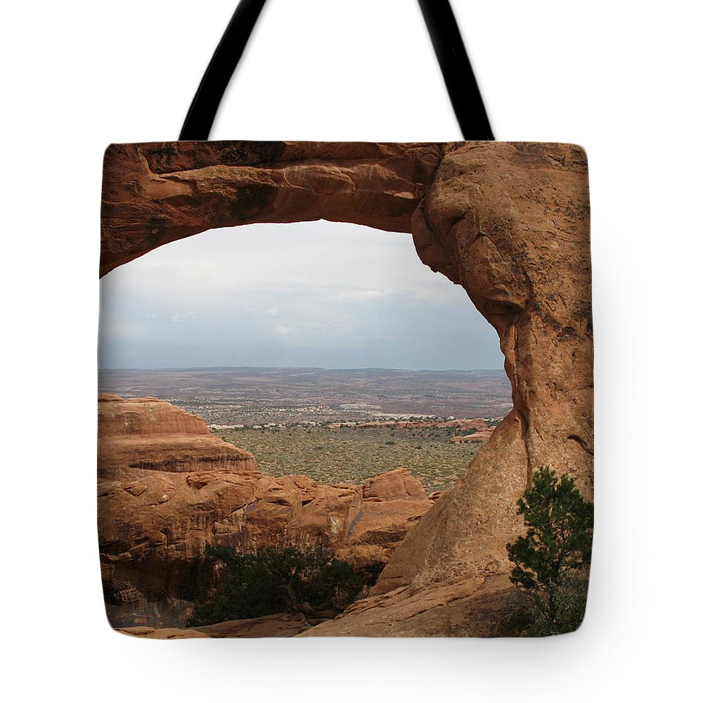 Arch Tote Bag featuring the photograph Double O Arch - Arches Np by Christiane Schulze Art And Photography