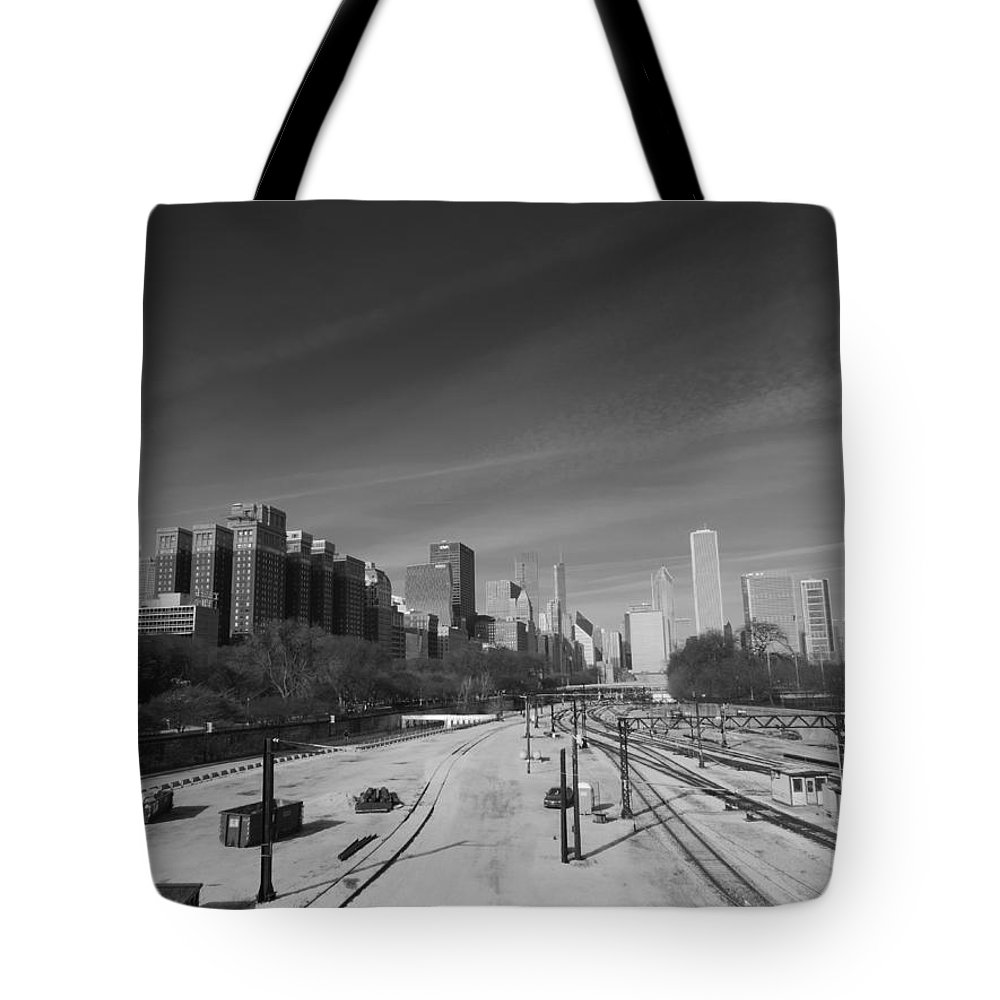 Chicago Tote Bag featuring the photograph Downtown Chicago Train Tracks Black And White by Cityscape Photography