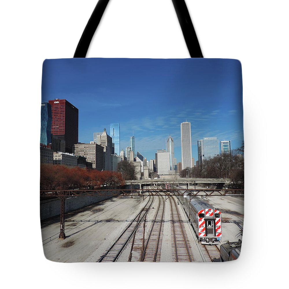 Chicago Tote Bag featuring the photograph Downtown Chicago With Train Tracks by Cityscape Photography