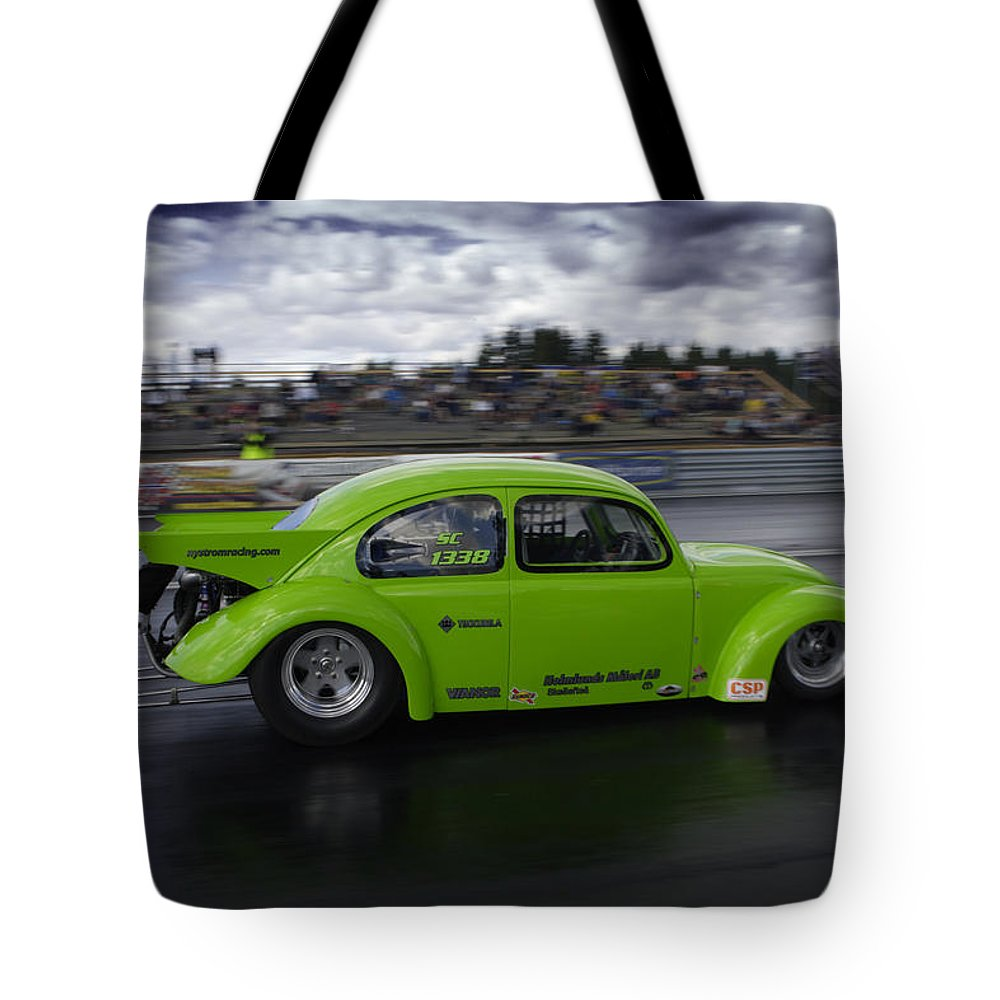 1/4 Mile Tote Bag featuring the photograph Drag Racing 10 by Stefan Bau