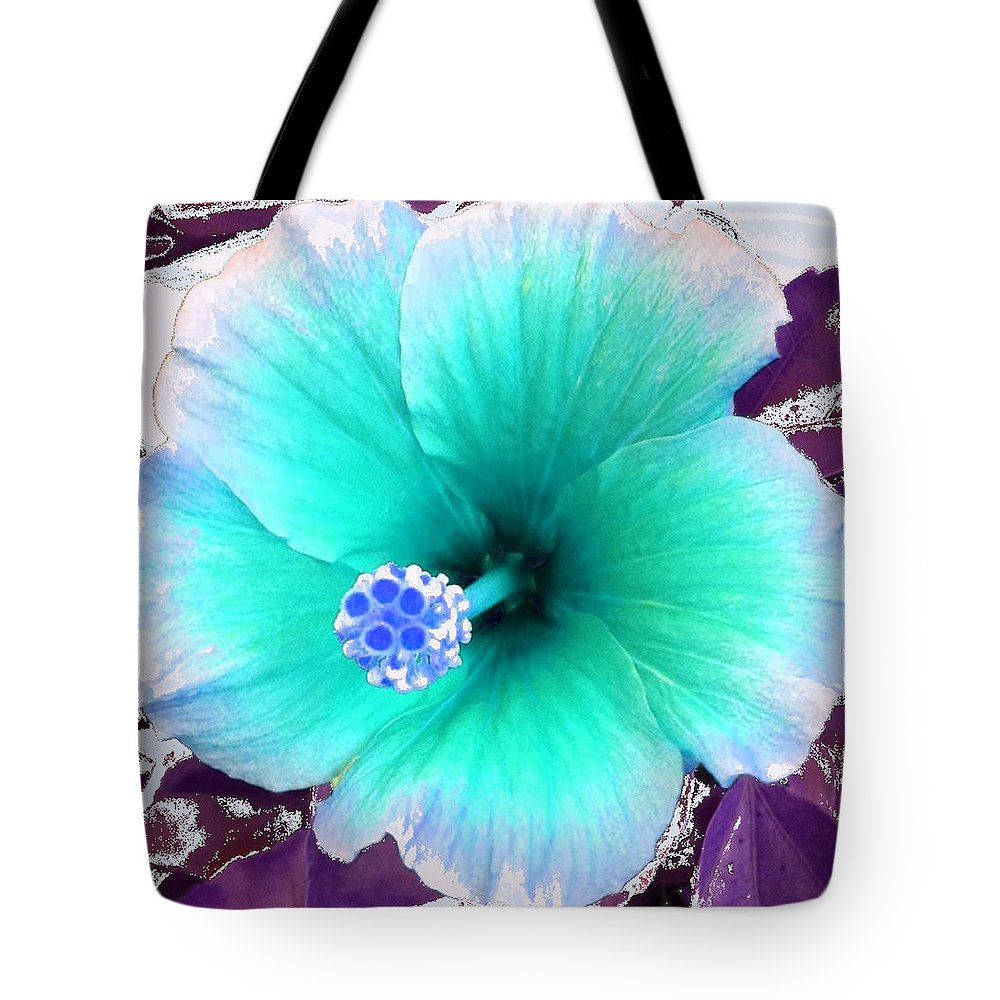 Dream Tote Bag featuring the photograph Dreamflower by Linda Bailey
