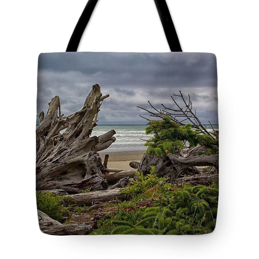 Seascape Tote Bag featuring the photograph Drifting Away by Michael J Samuels