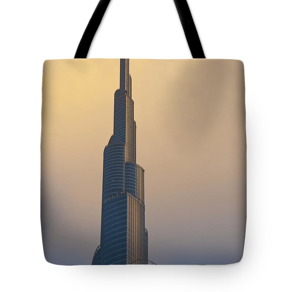 Photography Tote Bag featuring the photograph Dubai, Uaedetail Of The Burj Khalifa by Ian Cumming