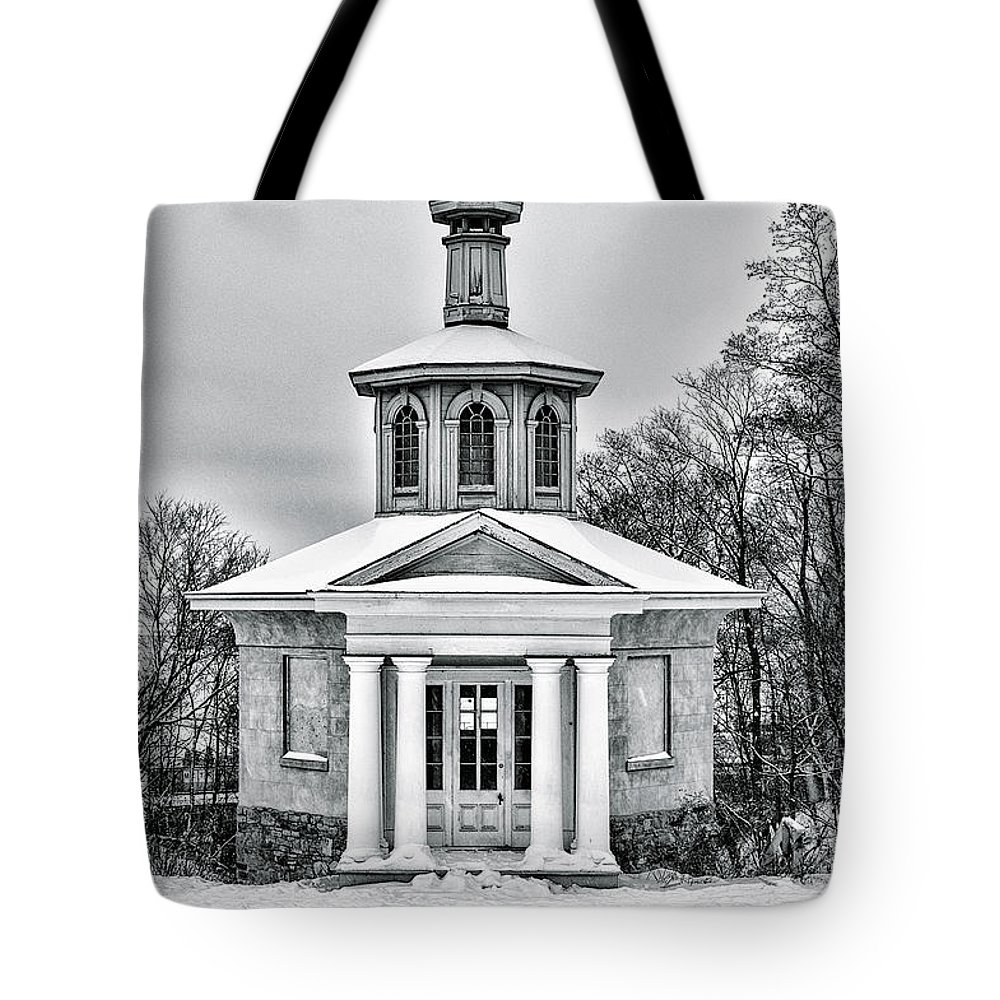 Canada Tote Bag featuring the photograph Dundurn by Garvin Hunter