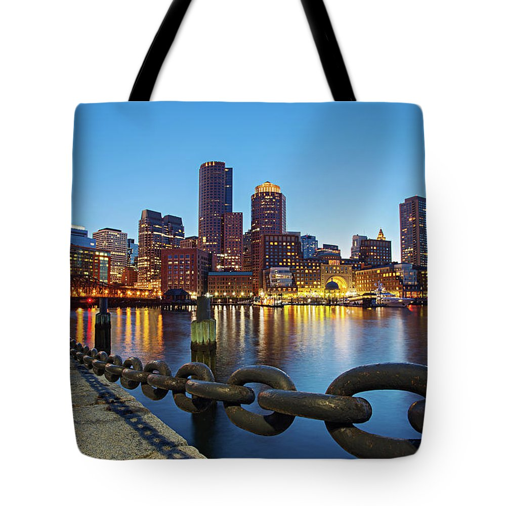 Clear Sky Tote Bag featuring the photograph Dusk In Boston by Photography By Nick Burwell