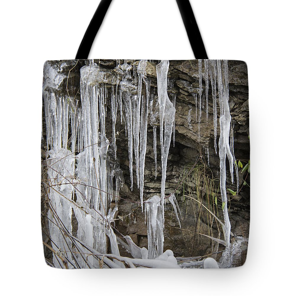 Eagle Rock Tote Bag featuring the photograph Eagle Rock Icicles by Teresa Mucha