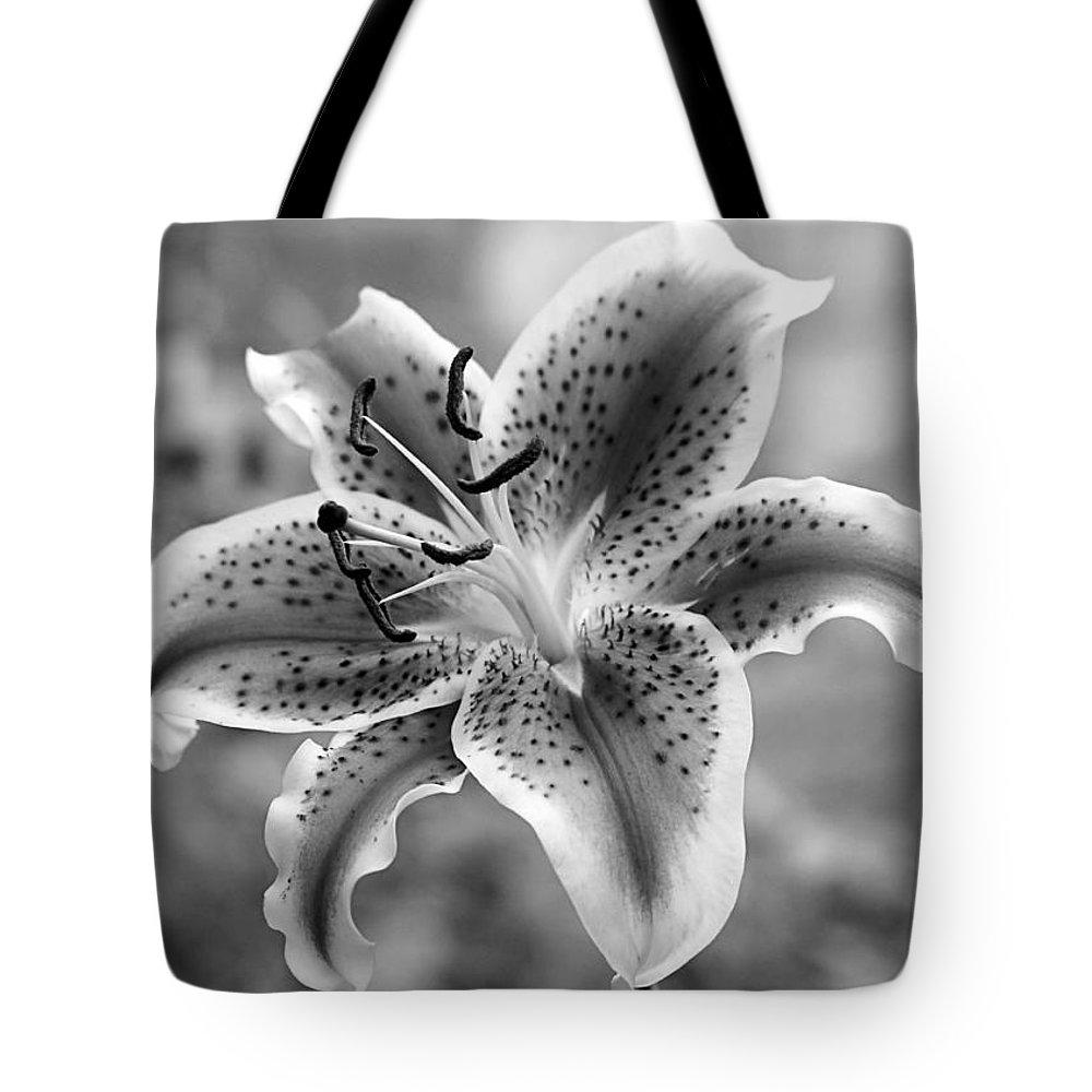 Floral Tote Bag featuring the photograph Easter Lily by Elizabeth Budd