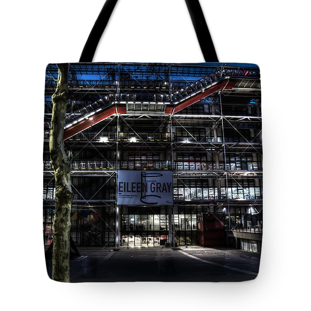 Arch Tote Bag featuring the photograph Eileen Gray At The Pompidou by Evie Carrier
