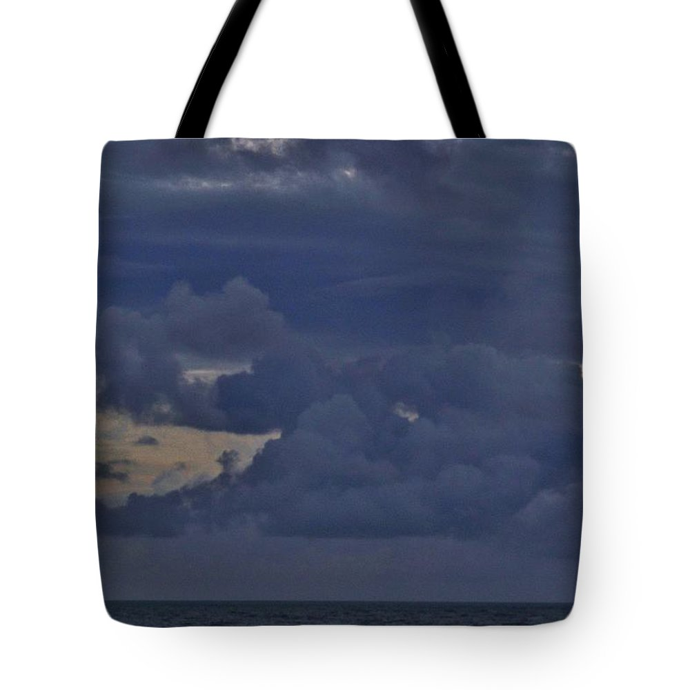 Tote Bag featuring the photograph Elephant Head Cloud 1 11/11 by Mark Lemmon