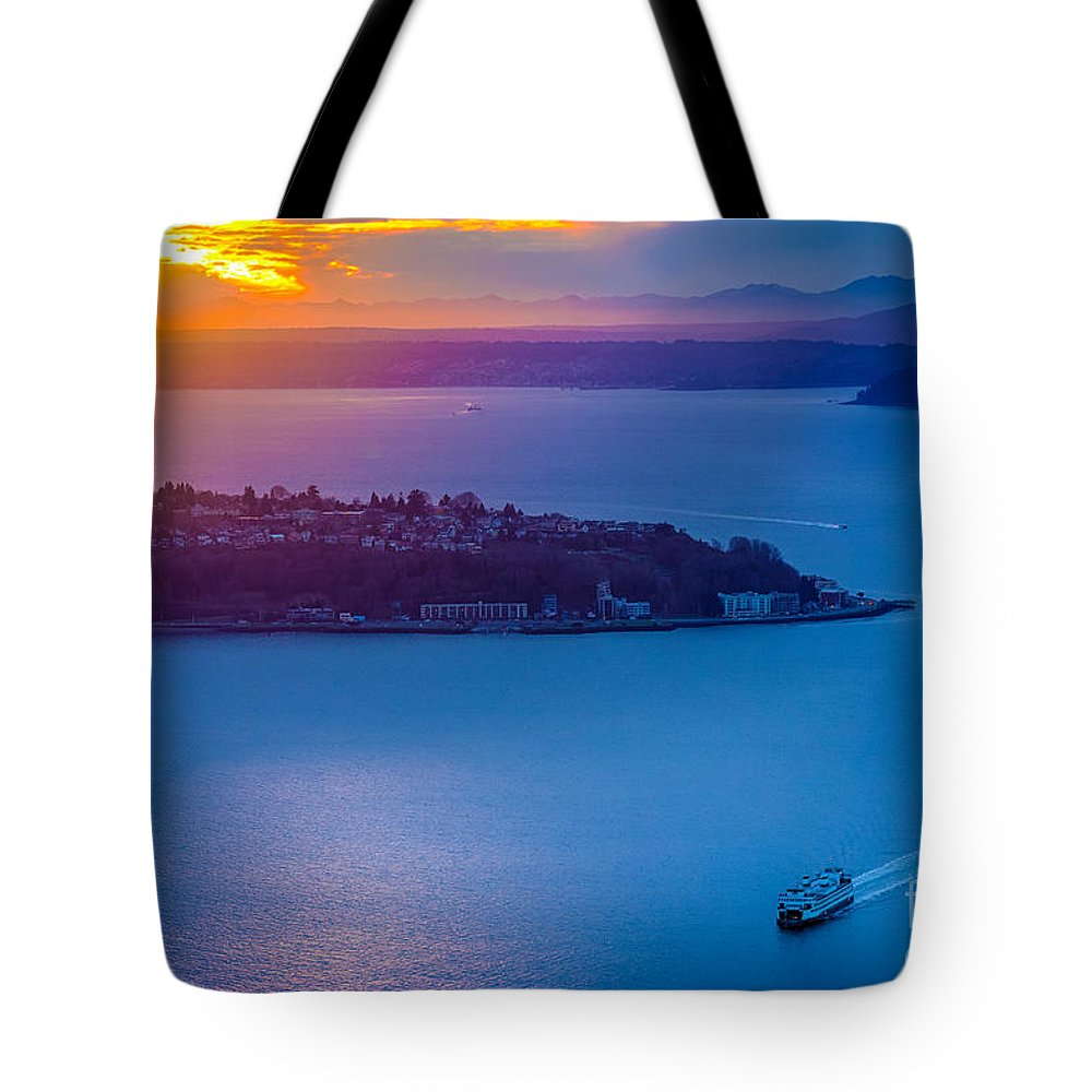 America Tote Bag featuring the photograph Elliott Bay Sunset by Inge Johnsson