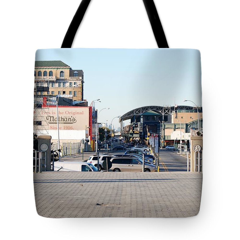 Brooklyn Tote Bag featuring the photograph End Of The Line by Rob Hans
