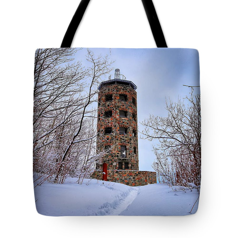 Winter Tote Bag featuring the photograph Enger Tower In Winter by Bryan Benson