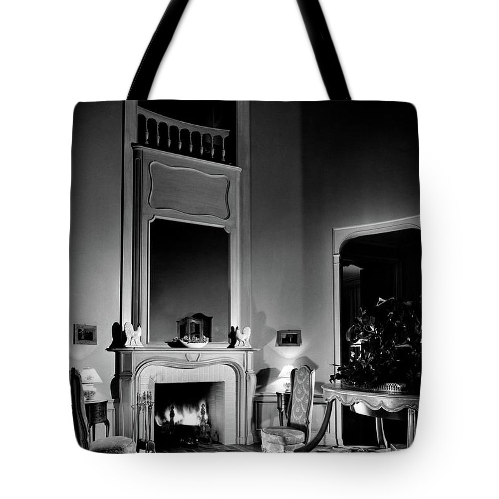 Fame Tote Bag featuring the photograph Entrance Hall Of Joan Bennett And Walter Wagner's by Maynard Parker
