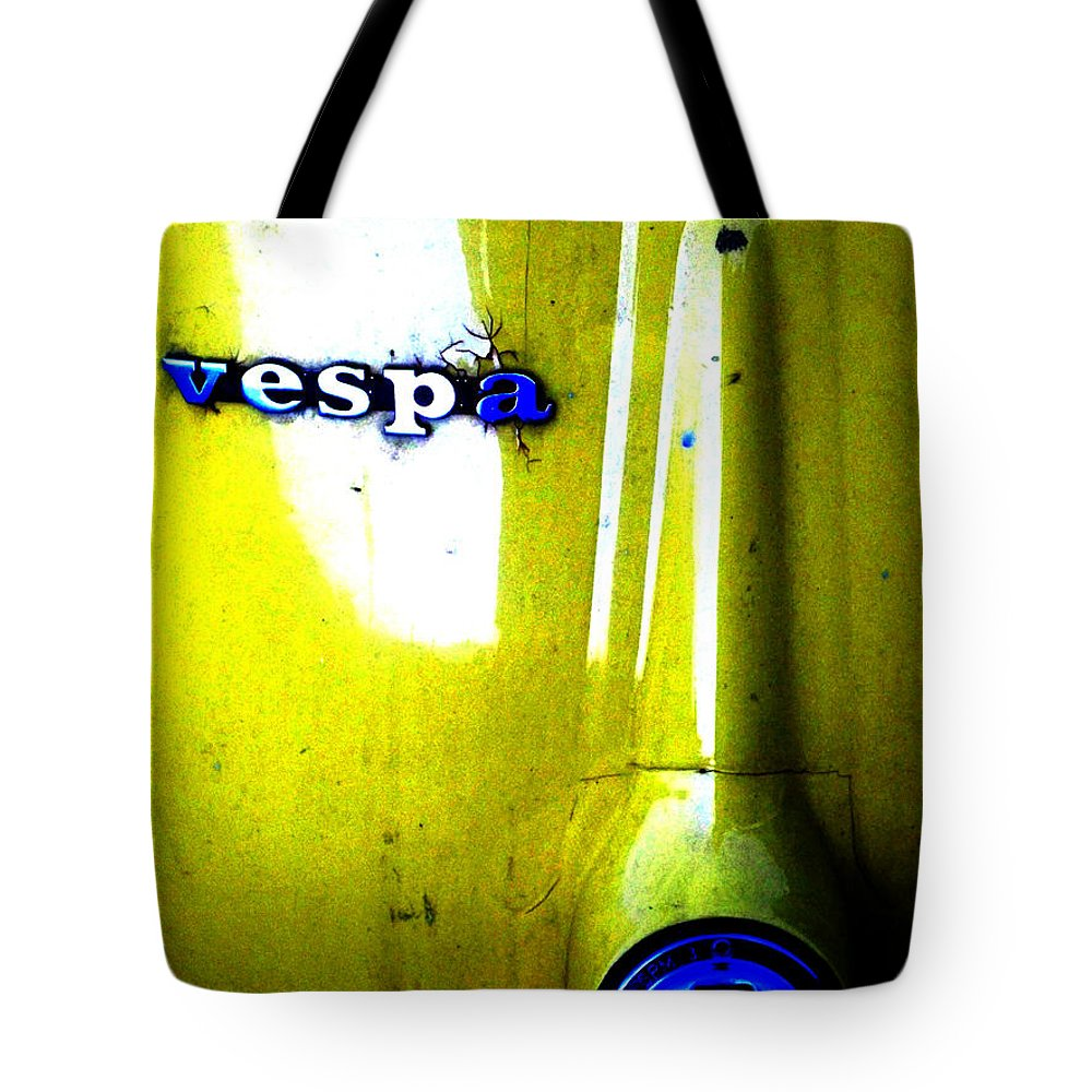 Newel Hunter Tote Bag featuring the photograph esp by Newel Hunter