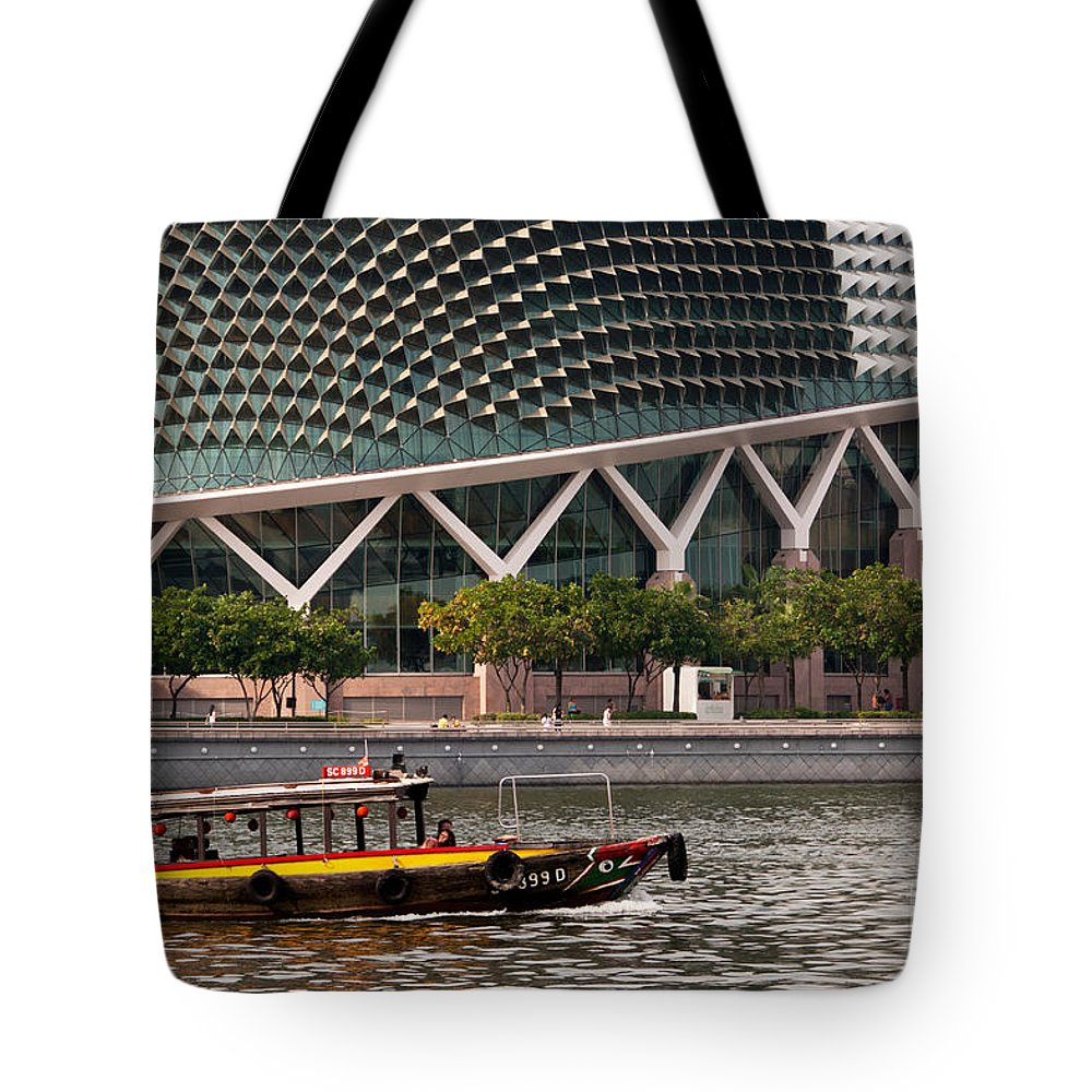 Singapore Tote Bag featuring the photograph Esplanade Theatres 03 by Rick Piper Photography