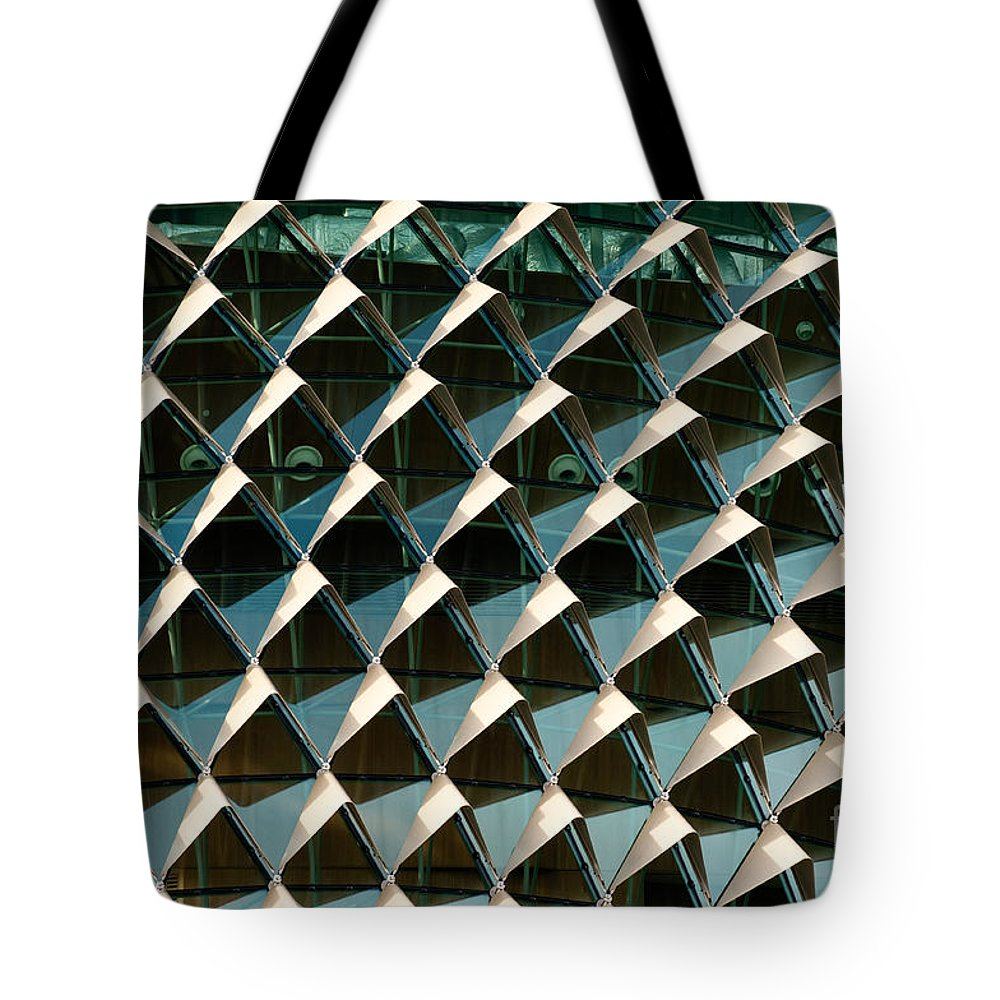 Singapore Tote Bag featuring the photograph Esplanade Theatres Roof 03 by Rick Piper Photography
