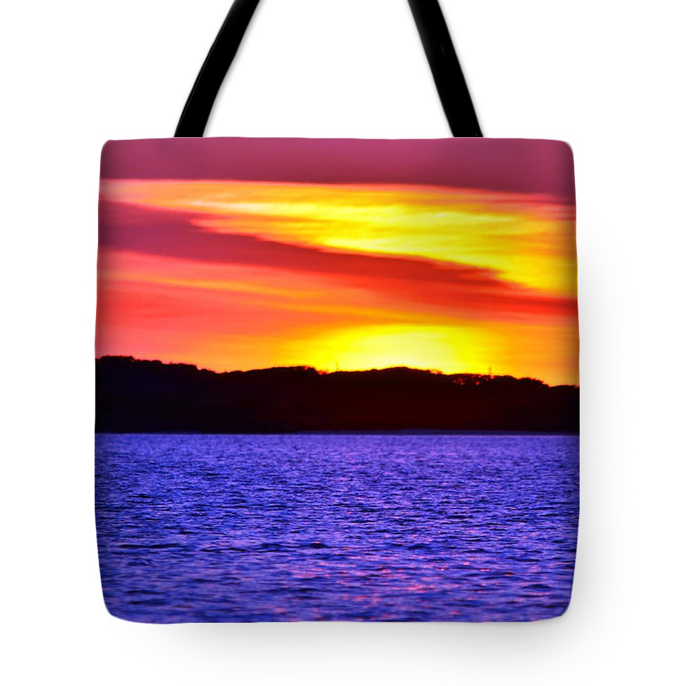 Sunset Tote Bag featuring the photograph Expecting A Great Future by Mark Olshefski