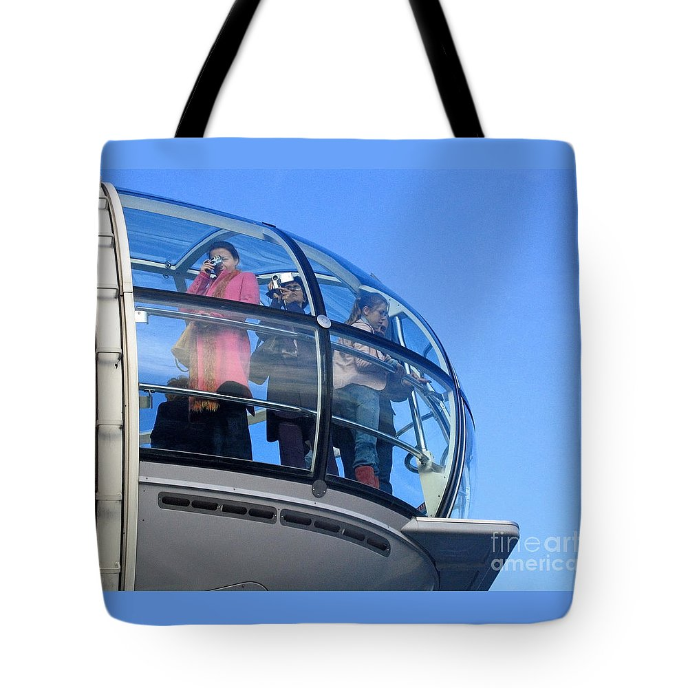 London Tote Bag featuring the photograph Eying London by Ann Horn