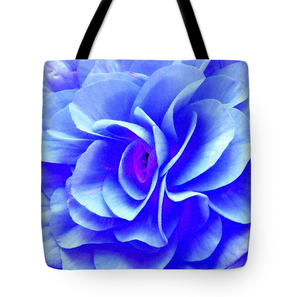 Duane Mccullough Tote Bag featuring the photograph Fantasy Flower 10 by Duane McCullough