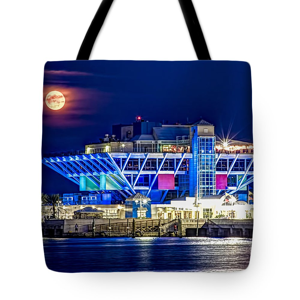 Moon Tote Bag featuring the photograph Farewell Moon by Marvin Spates