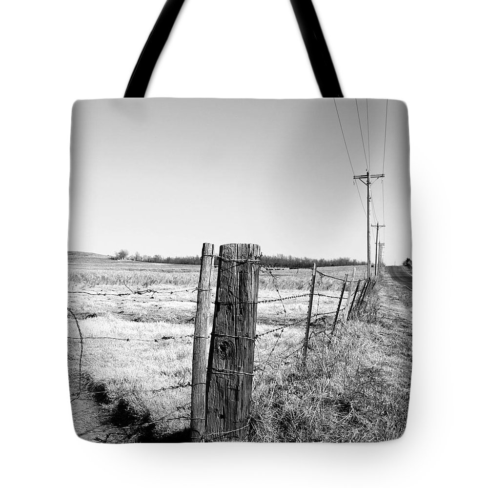 Fences Tote Bag featuring the photograph Fence Post Oklahoma by Robert Shinn