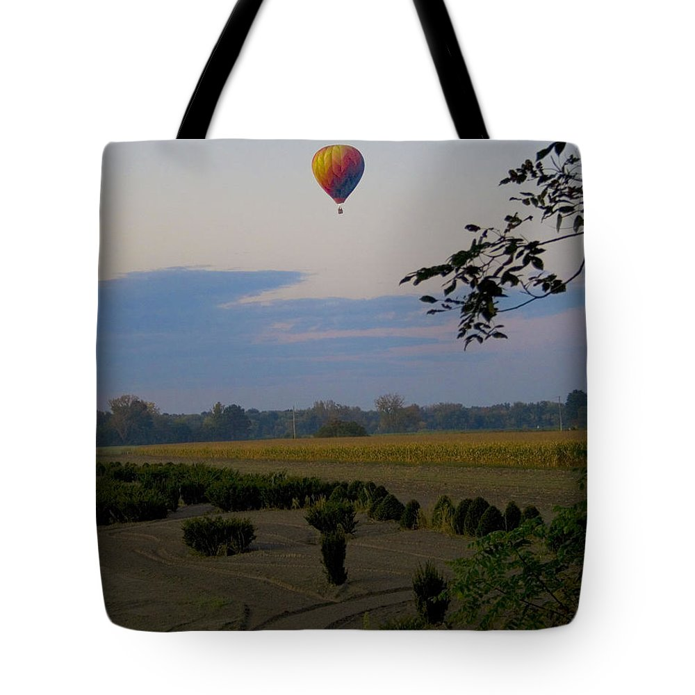 Western Ma Tote Bag featuring the photograph Floating by Conor McLaughlin